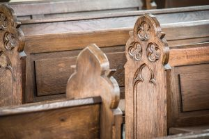 church-pews-1190528_640